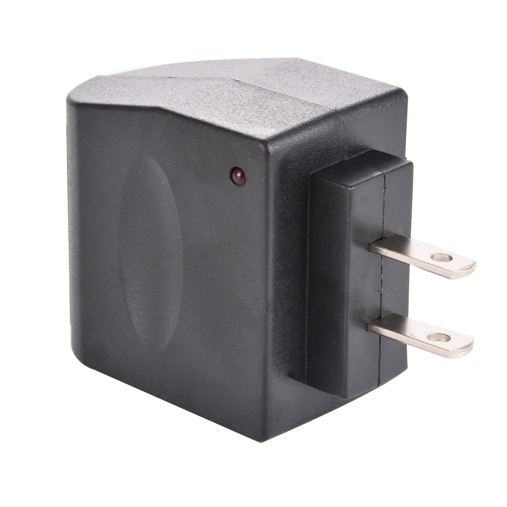 This Universal Travel Charger Allows You To Charge Or Use Your Phone From Any Outlet With The Of Vehicle Plug Into A 110v
